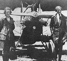 Neta Snook and her student, Amelia Earhart, photo Wikipedia