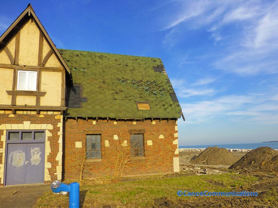 Whihala Beach House