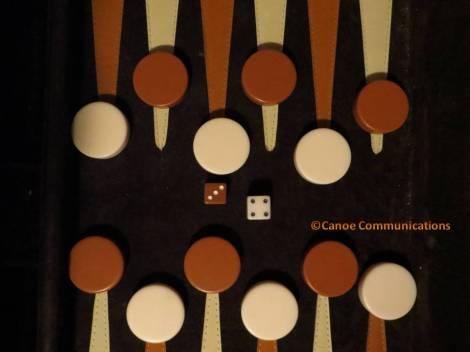 backgammon pieces