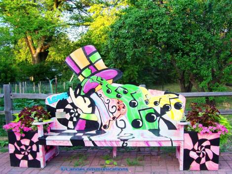 Top Hat Bench